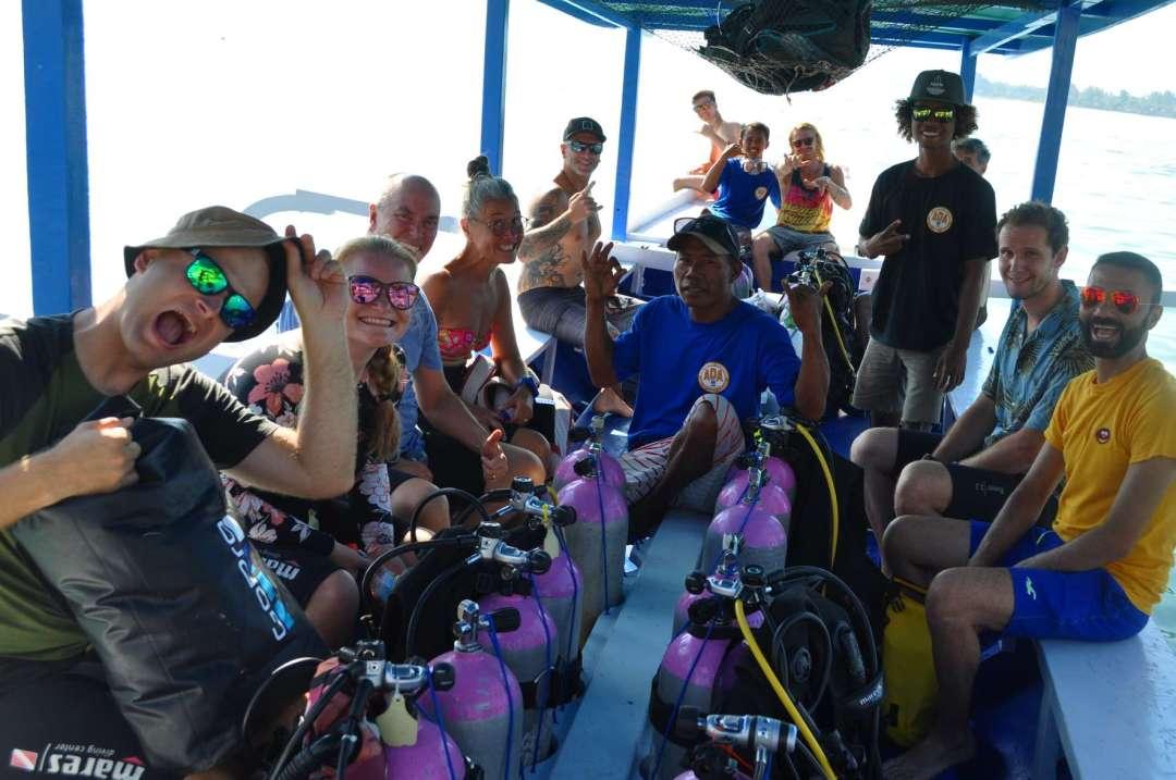 Dive+潜水员ratumeliana12345678_的精彩瞬间